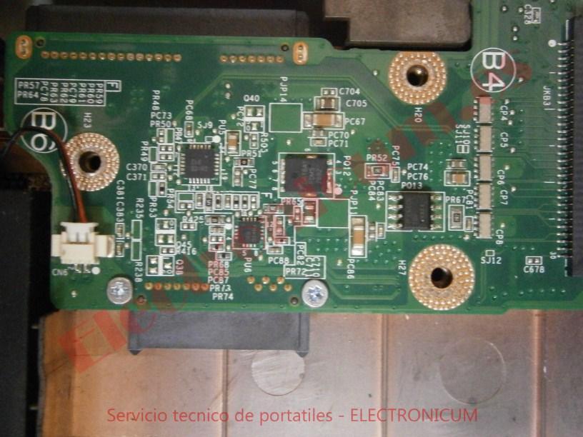 reparar cortocircuito Dell Inspirion N7010