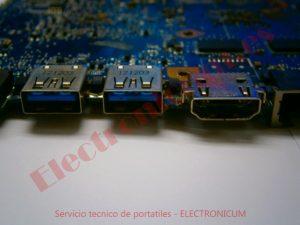 puertos usb Toshiba L855
