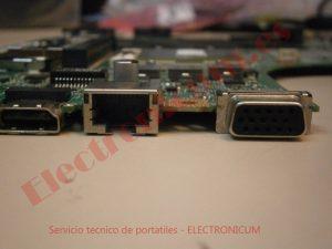 Rj45 y salida VGA Lenovo B590
