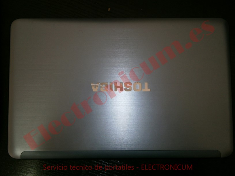 Toshiba S855