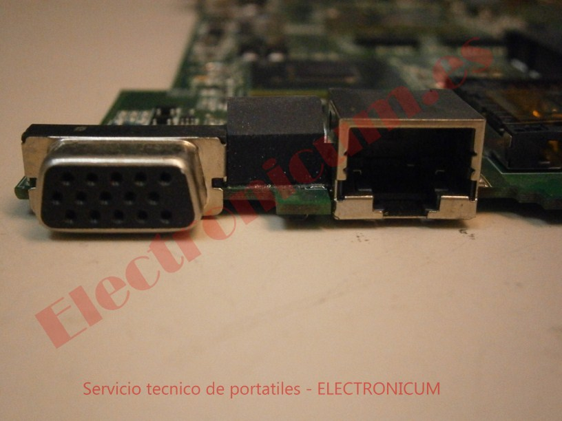 puerto VGA placa base asus