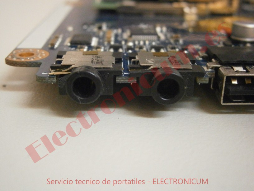 reparar conector audio Packard Bell NEW91