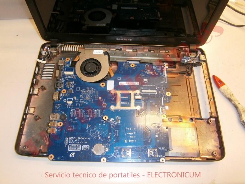 desmontar Samsung R540