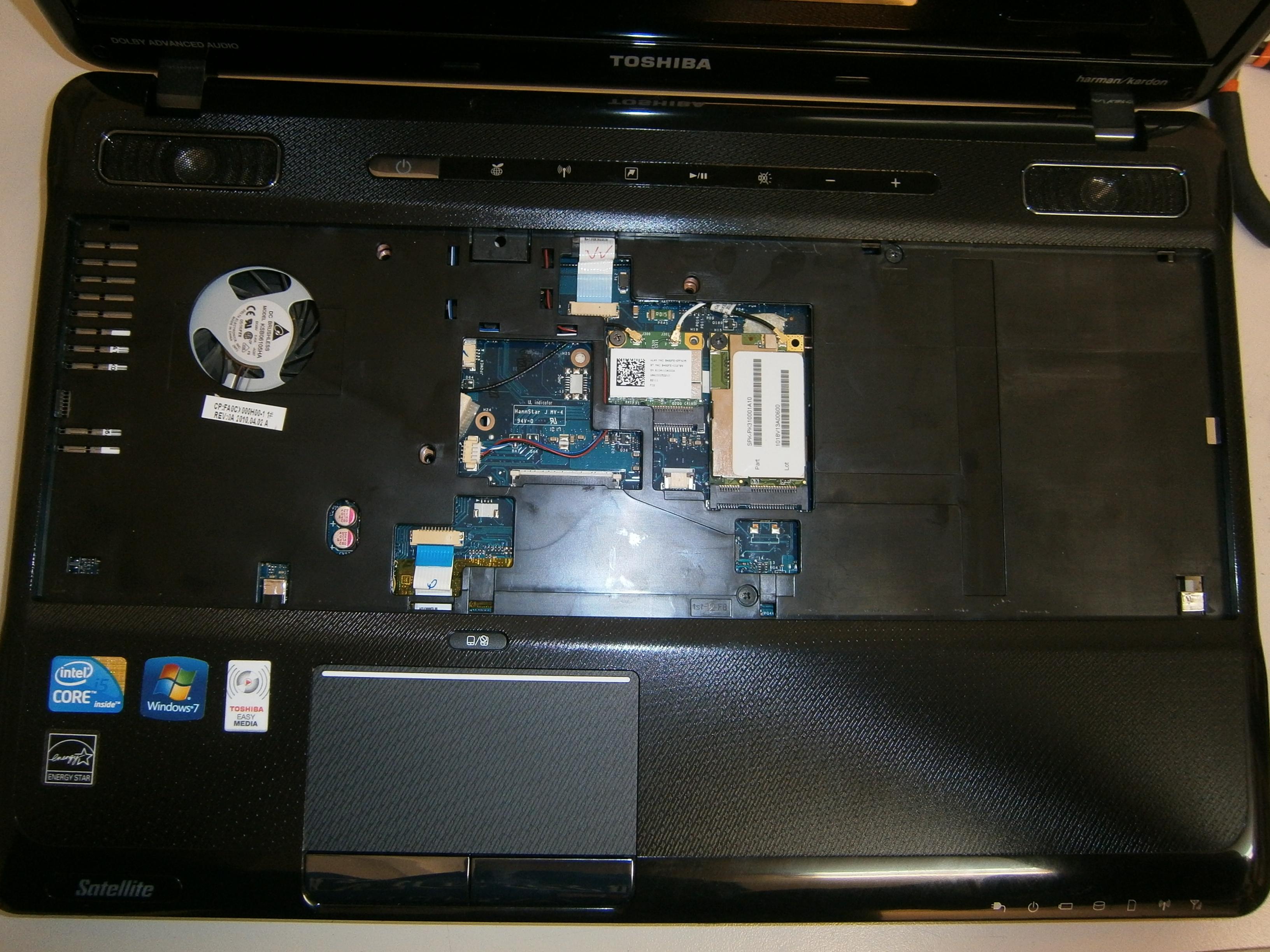 Desmontar Toshiba Satellite A660
