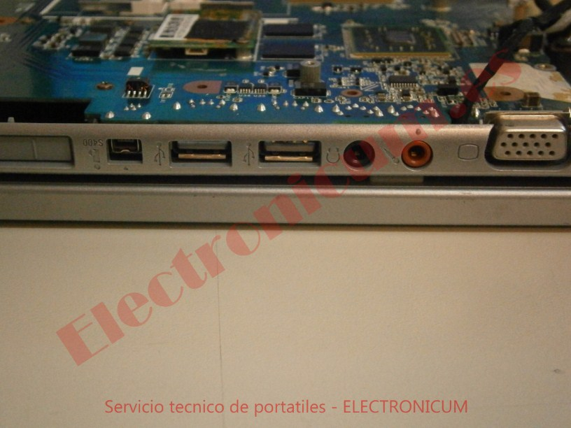 conectores Sony VGN NS11Z