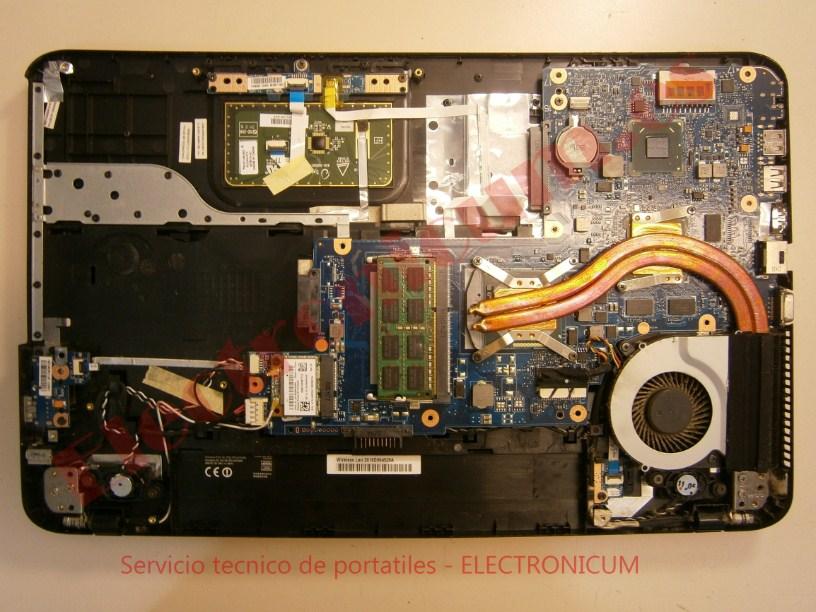 desmontar Toshiba Satellite C855-21M