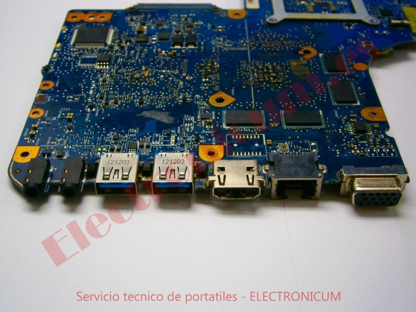 reparar placa base Toshiba L855